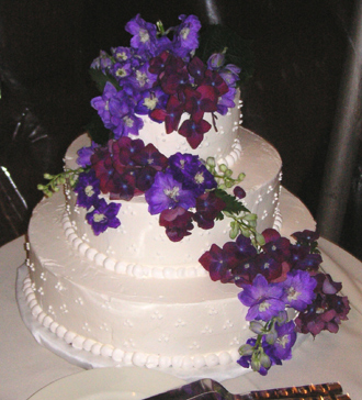 Wedding Flowers Long Island Wedding Cake With Purple Flowers Elegant Eating Long Island New